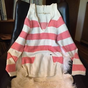 Roxy coral and white hooded sweater Medium